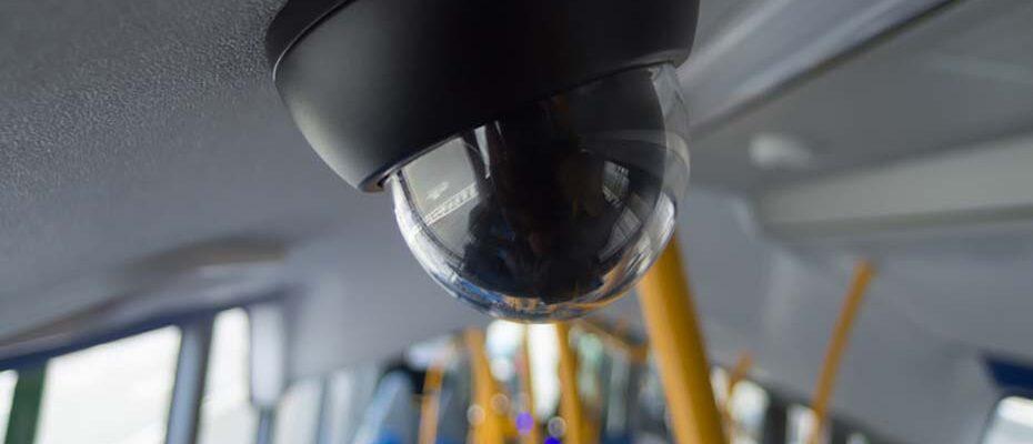Die Videoüberwachung in hannoverschen Bussen und Bahnen ist zulässig, entschied das OVG Niedersachsen.|© baseArt - stock.adobe.com