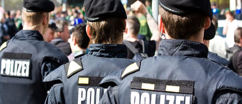Einsatzkräfte benötigen emotionale Abwehrfähigkeit.|© Daniel Etzold - stock.adobe.com